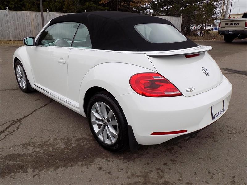 2015 Volkswagon Beetle Convertible Comfortline  6