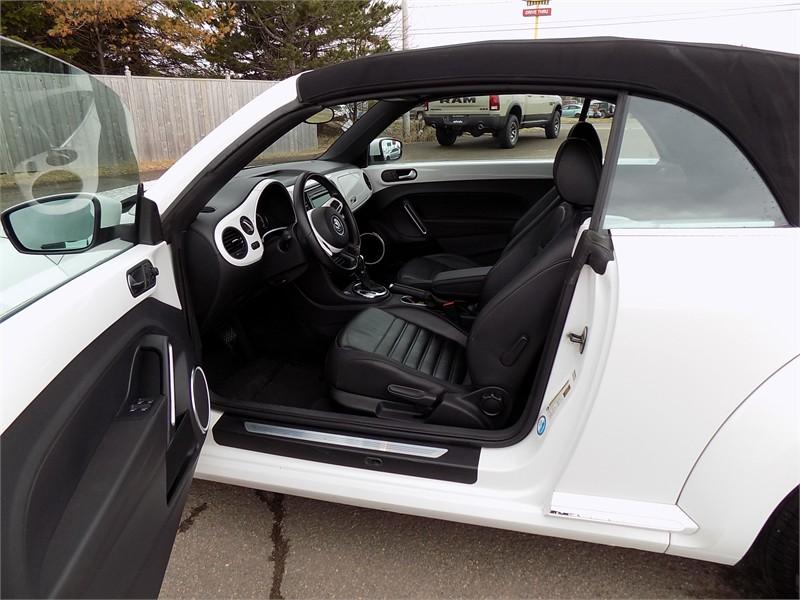 2015 Volkswagon Beetle Convertible Comfortline  13