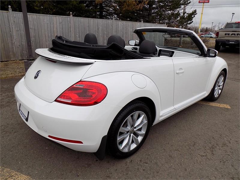 2015 Volkswagon Beetle Convertible Comfortline  3