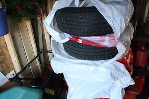 4 used Michelin Latitude XICE winter 235/70/R16