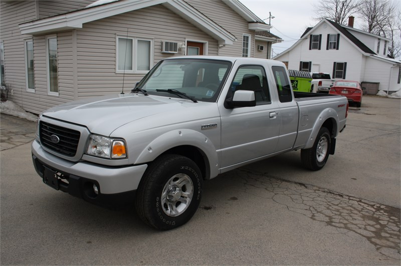 2009 Ford Ranger Sport! LOW KMS!  3