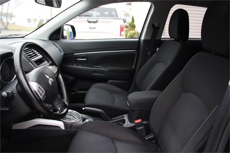 2011 Mitsubishi RVR SE! 4WD!  9