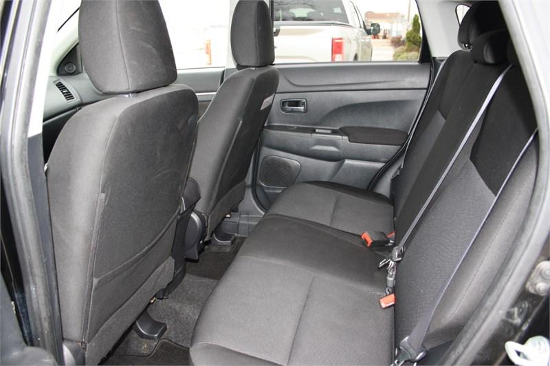 2011 Mitsubishi RVR SE! 4WD!  10
